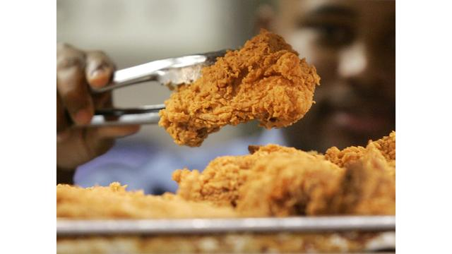 Knives needed, man says after choking on Popeyes chicken