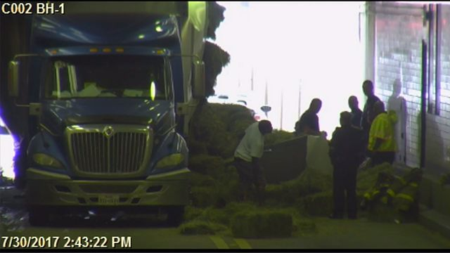 BREAKING: Bankhead Tunnel Closed Due to Stuck 18-Wheeler