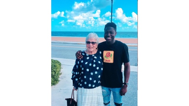 Man travels 1,000 miles to meet 81-year-old woman he befriended on Words with Friends