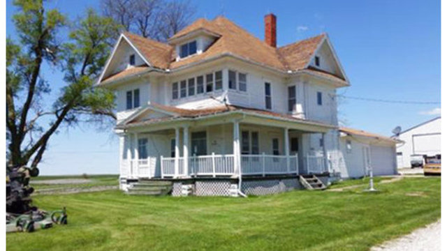 Farmhouse for free, but buyer must move it off owners' land