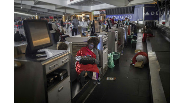Holiday travel chaos ahead after Atlanta airport outage