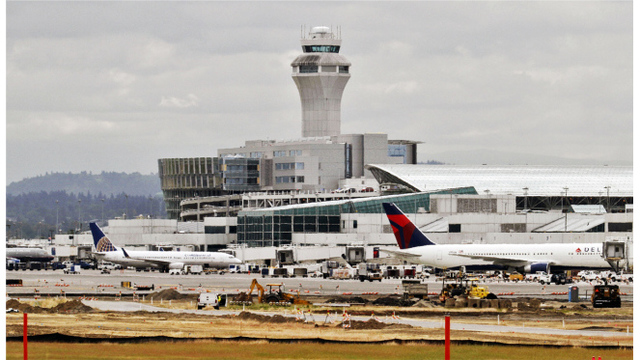 5-year-old girl bit in the face by dog, injured at Portland airport