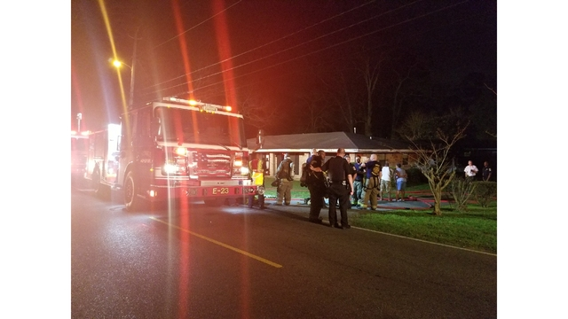 Mobile Fire-Rescue responds to house fire on Magnolia Road