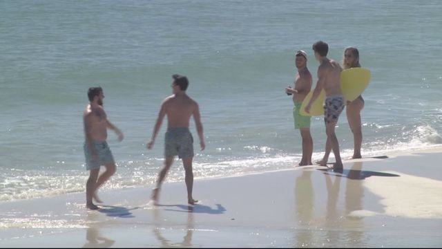 UPDATE: Swimmer dies after trying to save 2 kids from drowning