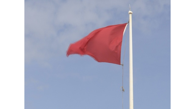 Red flags up at Pensacola Beach during height of spring break