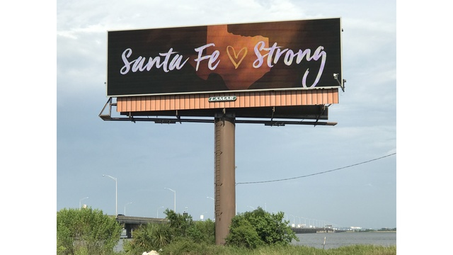 Mobile Causeway billboard shows love for Texas